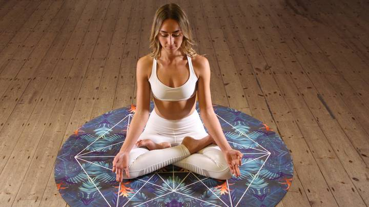 These Yoga Poses Are The Best For Dealing With Menstrual Cramps