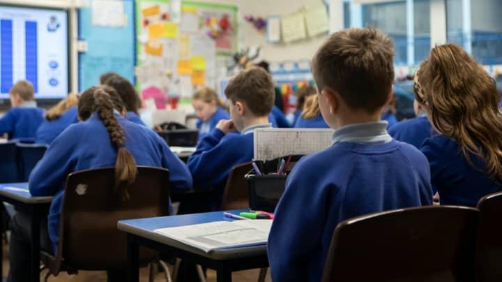 Headteacher Warns Social Distancing In Schools Is 'Impossible' As Heartbreaking Photo Is Shared Online