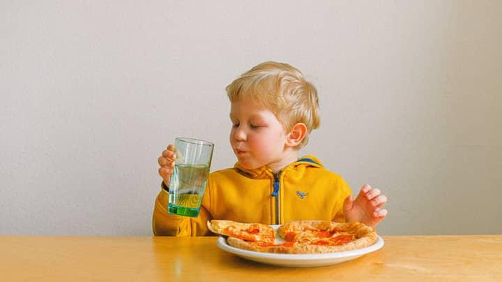 Thousands Of Doctors Demand U-Turn On Free School Meals