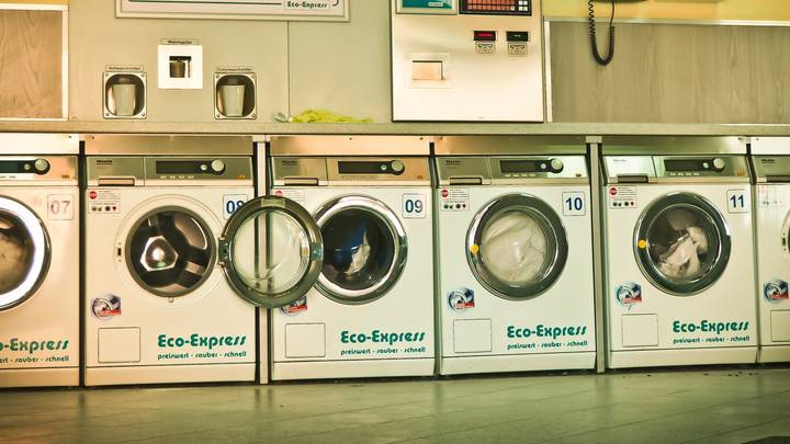 People Are Raving Over This Hack That Cleans Your Washing Machine