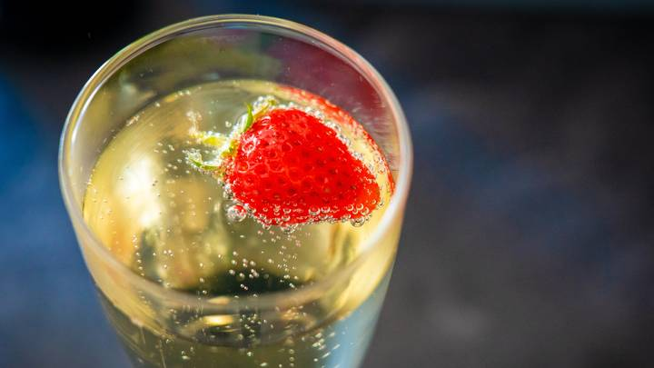 You Can Now Get A Bottomless Prosecco Glass And We Need It Immediately