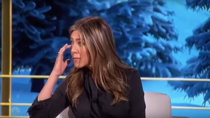 Jennifer Aniston Cries As Young Girl Begs For Help At Christmas