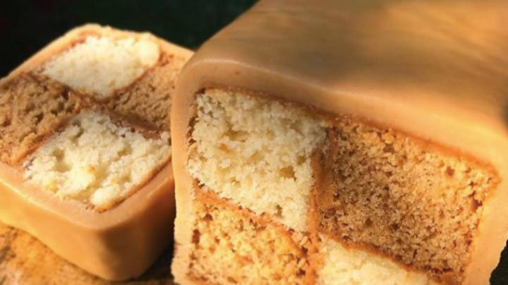 People Are Going Mad For This Biscoff Battenberg Recipe