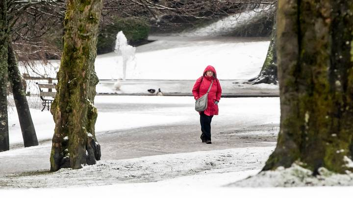 Met Office Issues Warning With Snow And Ice Forecast To Hit Britain This Week