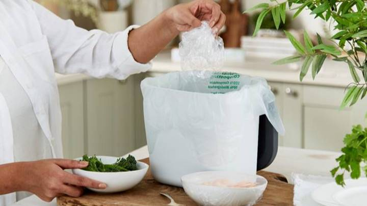 Lakeland Launches First Compostable Cling Film