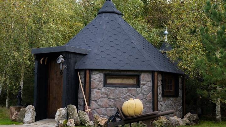 You Can Now Stay In A Harry Potter-Themed Lodge Called 'Hagrid's Hideaway'