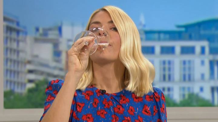 Holly Willoughby Mocked By 'This Morning' Boss For 'Common' Wine Drinking Habit