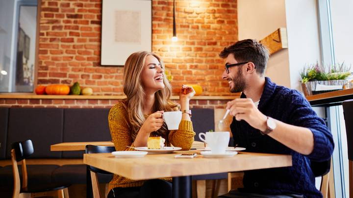 Man Tells Woman To 'Run' From Date After Noticing Red Flags