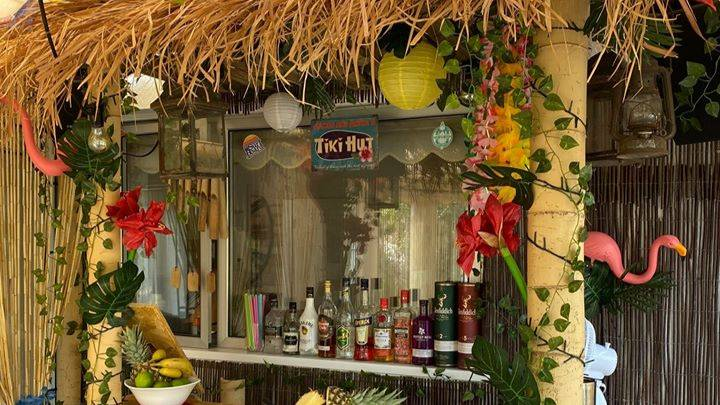 People Are Making Tiki Bars In Their Gardens