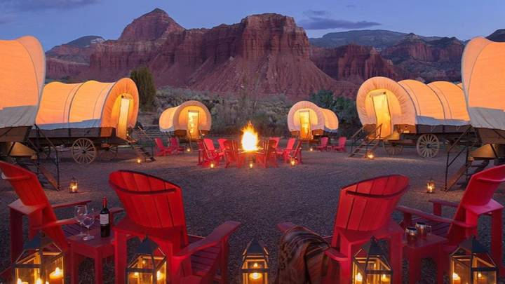 You Can Spend The Night In A Covered Wagon At This Incredible Campsite