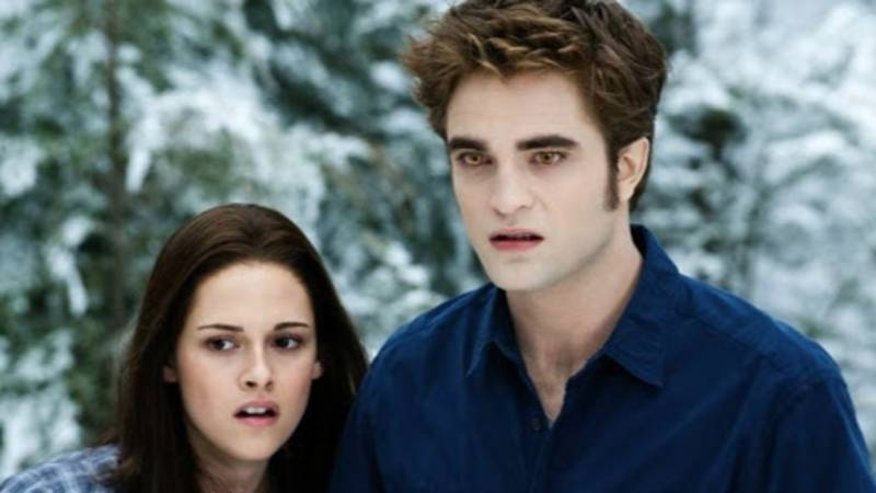 Stephenie Meyer Announces New 'Twilight' Book 'Midnight Sun' Is Coming
