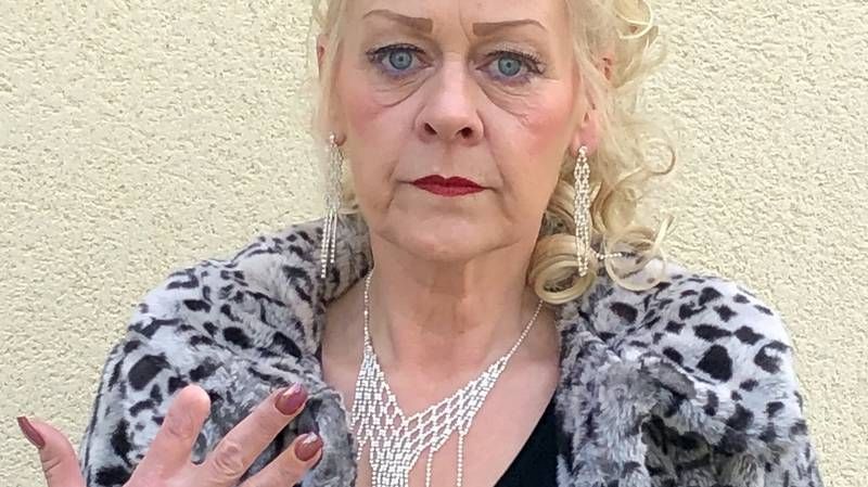 Woman Has To Have Finger Amputated After Manicure Accident Leaves Her Infected
