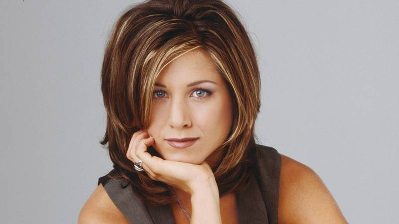 This Is The MAC Lipstick Jennifer Aniston Always Wore Filming 'Friends'