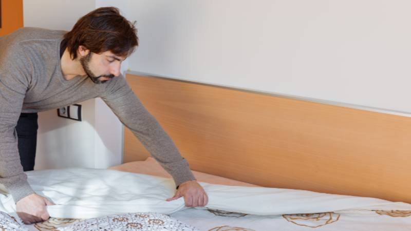 A Third Of Men Have Never Changed Their Bed Sheets