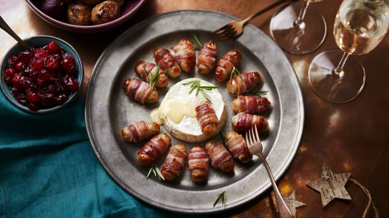 ASDA Is Now Selling Pigs-In-Blankets Fondue For Christmas And Oh My