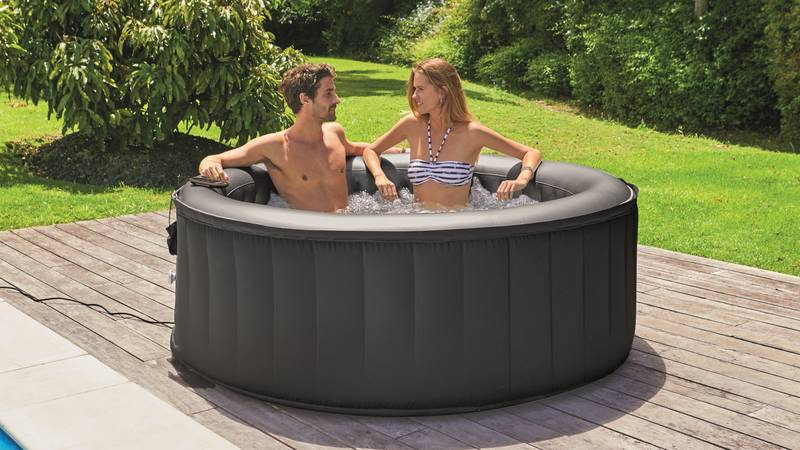 UK Supermarkets Are Having A Hot Tub Price War