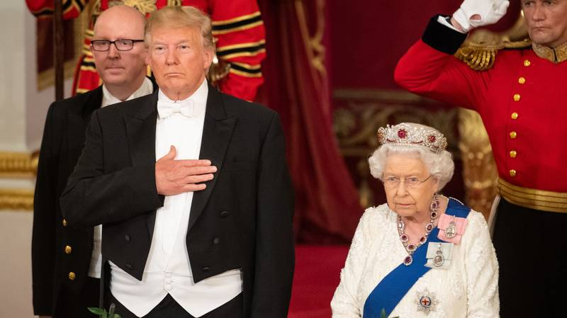 Twitter Thinks The Queen 'Shaded' Donald Trump With Her Tiara
