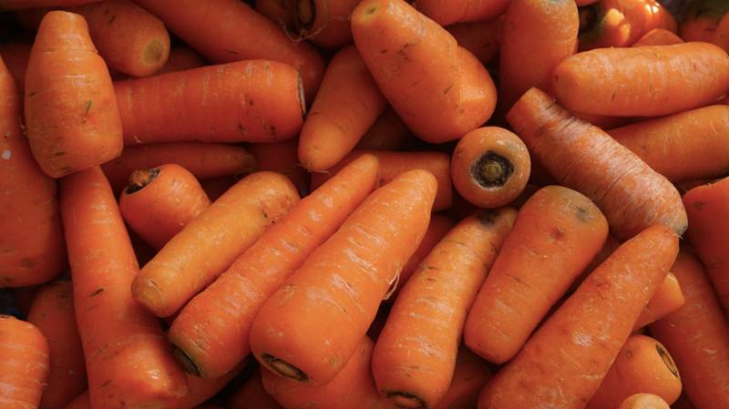 It Turns Out We've Been Peeling Carrots Wrong This Whole Time