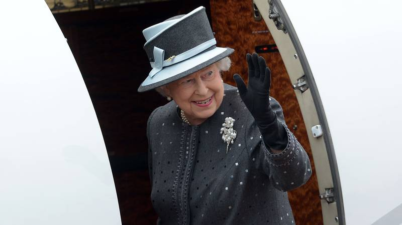 You Can Now Travel With The Queen For A Living And Get Paid £85,000