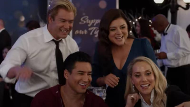Original Saved By The Bell Cast Reunite For New Reboot Trailer