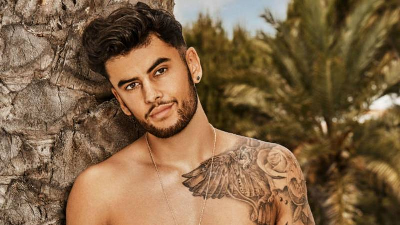 Love Island's Niall Aslam Left The Show After Suffering From Psychosis And Spent Two Weeks In Psychiatric Hospital