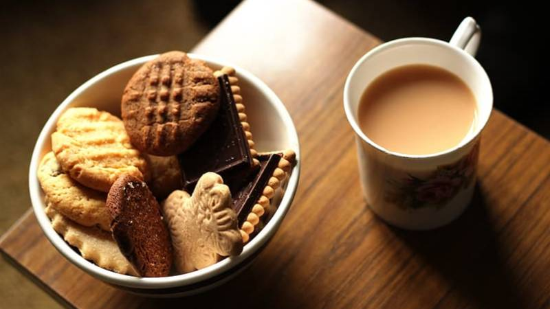 You Can Now Get Paid £40,00 A Year To Eat Biscuits