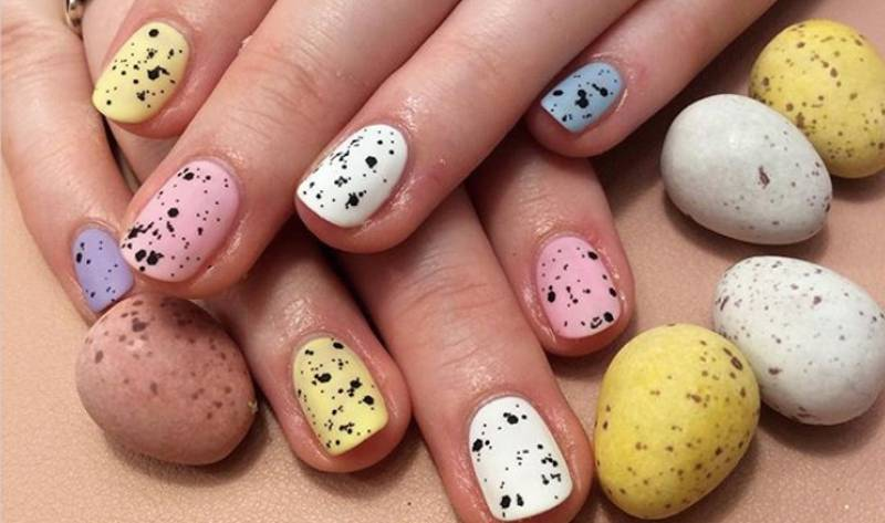 People Are Getting Mini Egg Nails For Easter