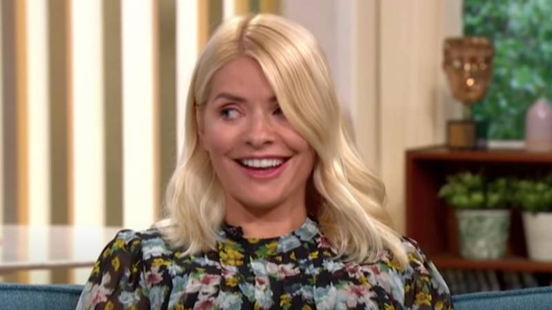 Holly And Phil 'Get High' On Carbon Dioxide On 'This Morning'