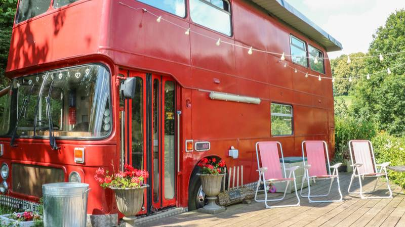 You And Your BFFs Can Now Stay In A Giant Red Bus With An Outdoor Hot Tub