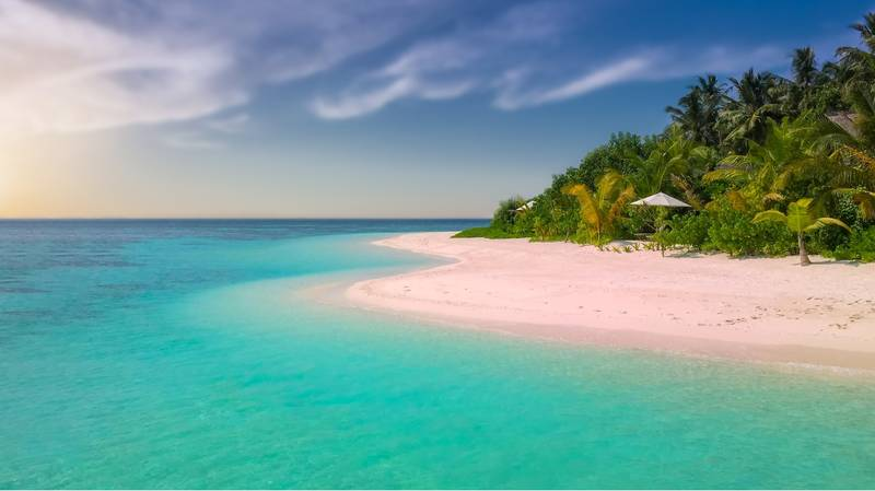 Five Amazing Millennial Pink Sand Beaches To Instagram This Summer