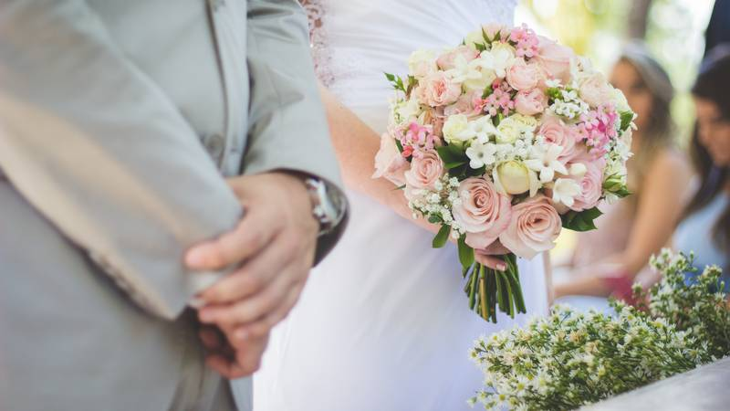 Groom Criticised For Telling Bride She Can't Wear A White Wedding Dress Because She's Not 'Pure'