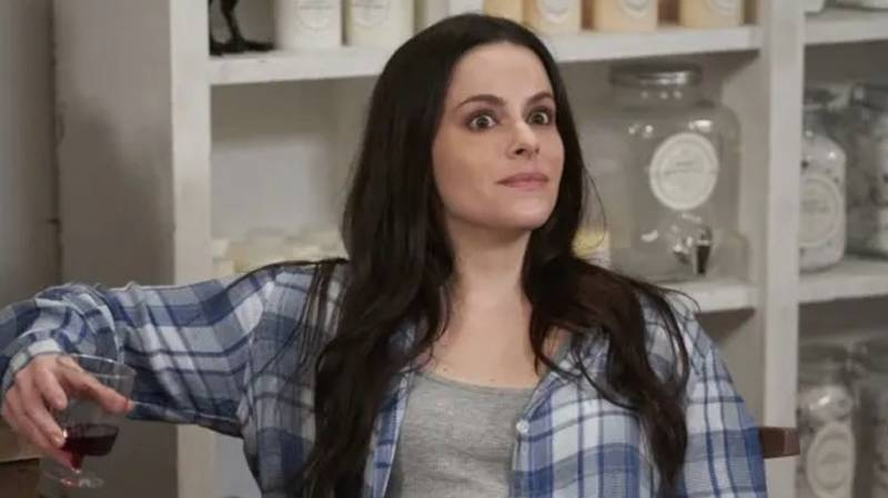 Schitt's Creek Star Emily Hampshire Says She Wants To Do A Stevie Budd Spin-Off