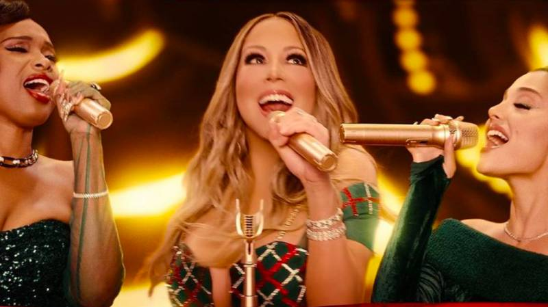Everyone Is Losing Their Minds Over Mariah Carey And Ariana Grande's Christmas Whistle Tone Duet