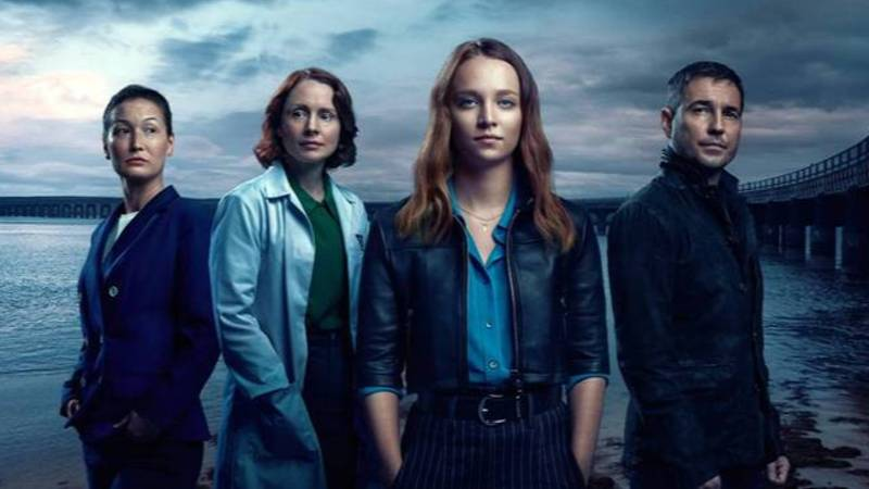 Fans Are Bingeing Martin Compston's New Crime Drama Series 'Traces' In One Sitting