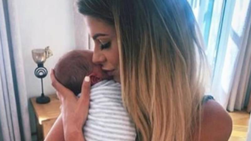 Mrs Hinch Breaks Down In Tears After Vile Online Troll Calls Her Baby 'Ugly'