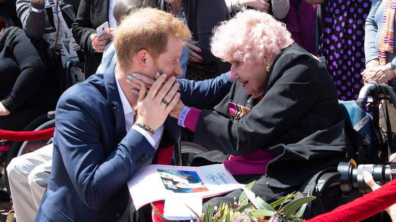 Prince Harry Introduces Meghan Markle To War Widow From Previous Sydney Trips