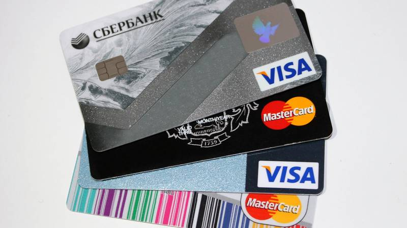 You Could Be Eating Up To A Credit Card's Worth Of Plastic Each Week