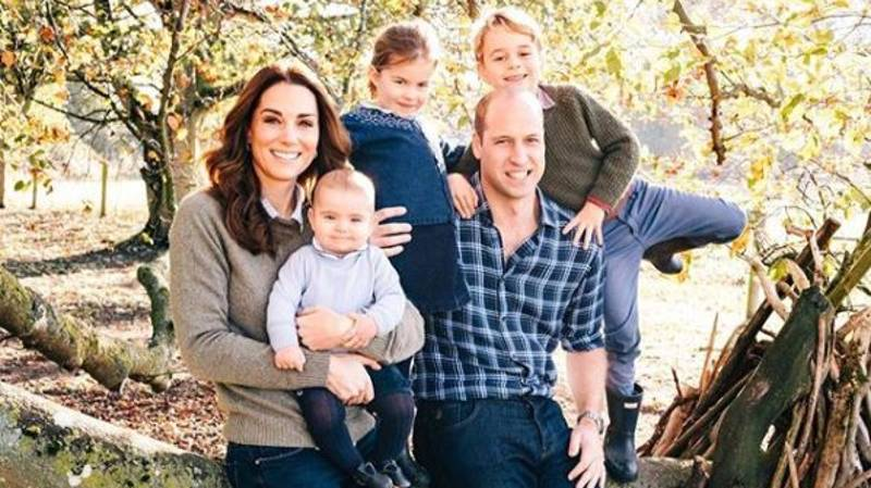 Everyone Missed This Adorable Detail In The Duke And Duchess Of Cambridge's Christmas Card