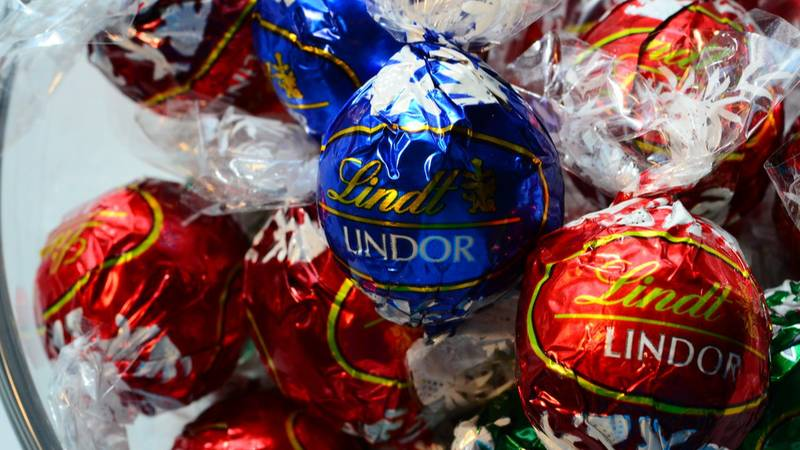 Lindt Launches Mouthwatering New Salted Caramel Lindor Truffles