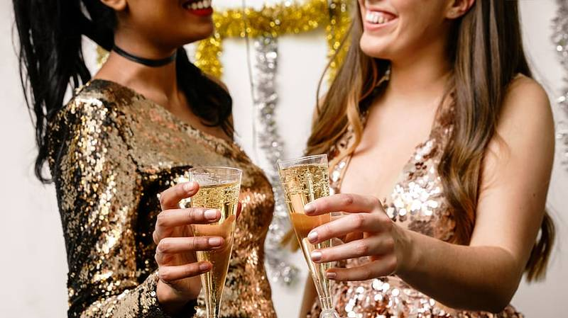 Here's How To Get Free Prosecco On International Women's Day