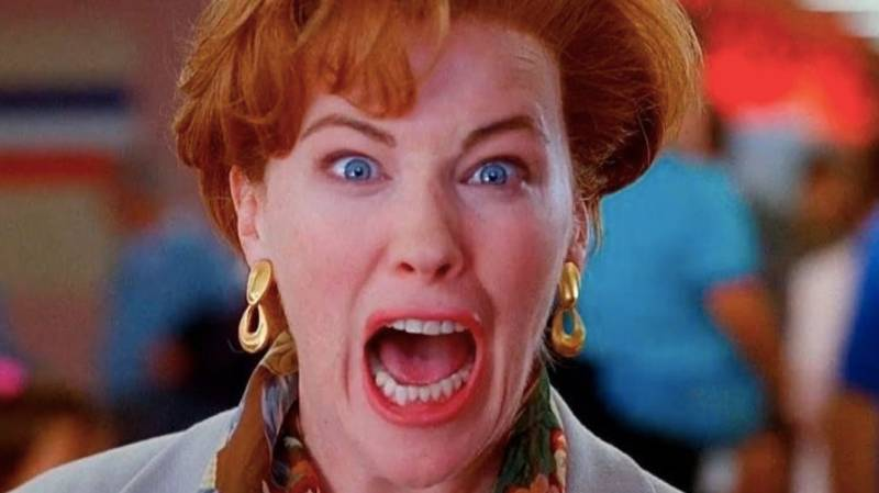 People Are Just Realising Moira Rose From Schitt's Creek Is The Mum From Home Alone