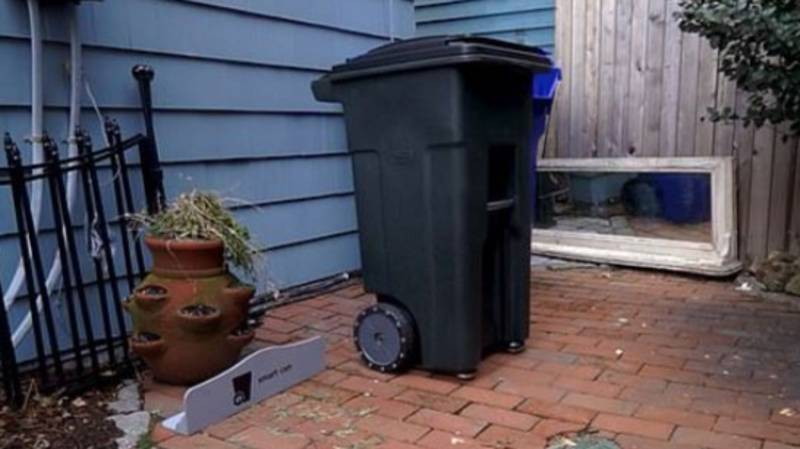 These Wheelie Bins Take Themselves Out On Rubbish Day