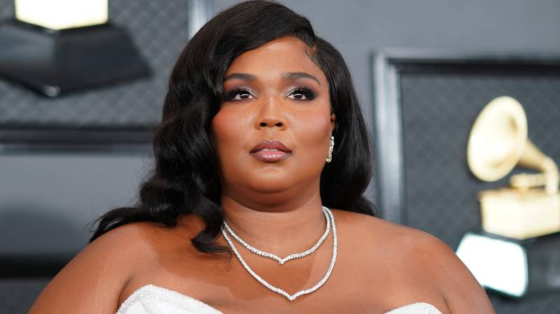 Lizzo Responds To Backlash Over Her 10-Day Juice Detox