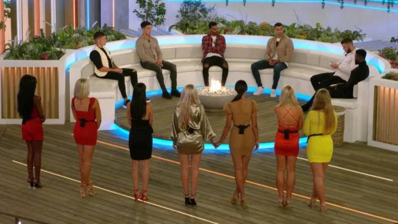 You Can Now Apply To Be On The Next Season Of 'Love Island'
