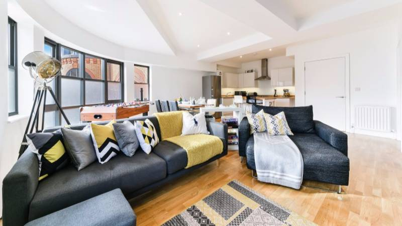 Man Is Raffling Off His Luxury London Pad For £2 A Ticket